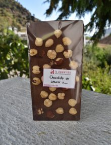 chocolate sin azúcar añadido con avellanas