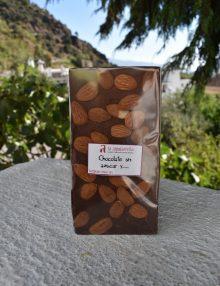chocolate sin azúcar añadido con almendras